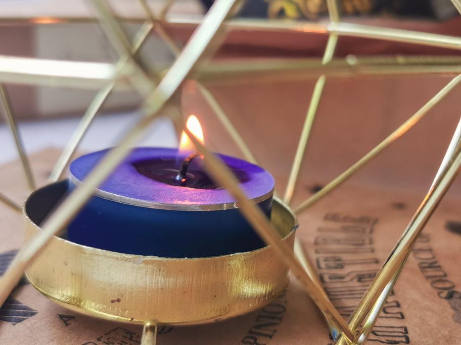 smells-like-spells-svijeca-plamen-izbliza-notinohr